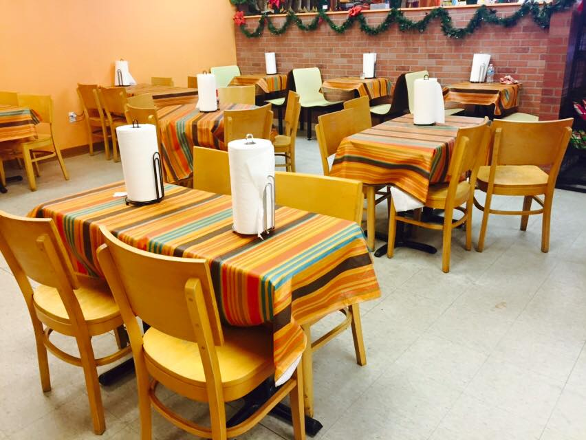 El Dorado Maya interior seating with tables and chairs