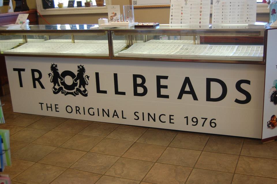 Trollbeads display counter